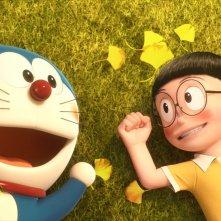 Doraemon: Nobita e Doraemon in una scena del film d'animazione