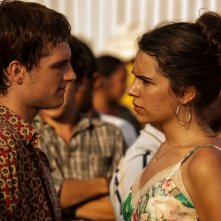 Josh Hutcherson e Claudia Traisac in Escobar: Paradise Lost