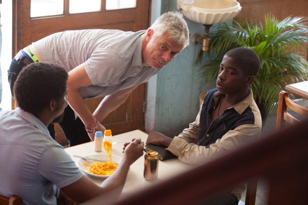 Trash: Rickson Tevez con Stephen Daldry sul set del film
