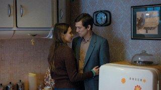 Next time I'll aim for the heart: Ana Girardot con Guillaume Canet in una scena del film