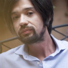 Sand dollars: il co-regista del film Israel Cárdenas in una foto promozionale