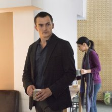 Homeland: l'attore Rupert Friend in un scena di Iron in the Fire