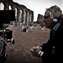 Tre tocchi: il regista Marco Risi sul set
