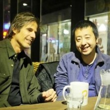 Jia Zhang-ke insieme a Walter Salles sul set del documentario Jia Zhangke, Un Gars de Fenyang