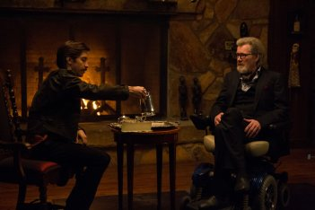 Tusk: Justin Long insieme a Michael Parks in una scena
