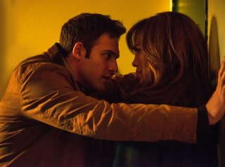 Il ragazzo della porta accanto: Jennifer Lopez e Ryan Guzman in una scena