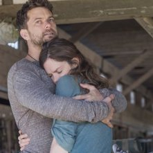 The Affair: Ruth Wilson e Joshua Jackson in una scene dell'episodio 2