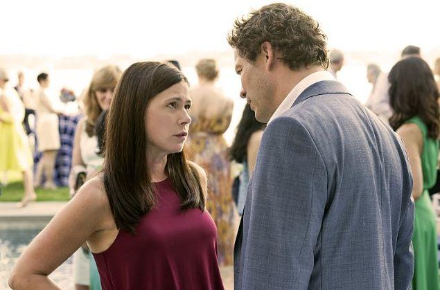 The Affair: Maura Tierney e Dominc West in una scena dell'episodio 2