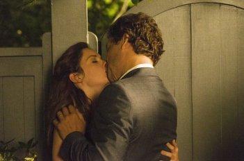 The Affair: Ruth Wilson e Dominic West in una scene dell'episodio 2