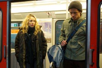 La Spia - A Most Wanted Man: Rachel McAdams con Grigoriy Dobrygin in una scena