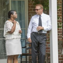 Black and White: Kevin Costner sul set del film con Octavia Spencer