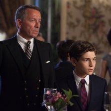 Gotham: David Mazouz e Sean Pertwee in una scena dell'episodio intitolato Viper