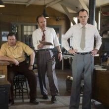 Manhattan: L.R. Michael Chernus, John Benjamin Hickey e Christopher Denham in una scena dell'episodio Perestroika
