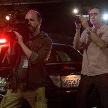 Lo Sciacallo - Nightcrawler: Jake Gyllenhaal con Eric Lange in una scena