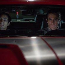 Lo Sciacallo - Nightcrawler: Jake Gyllenhaal in un momento del film insieme a Riz Ahmed