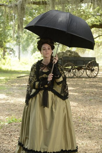 Sleepy Hollow: l'attrice Heather Lind interpreta Mary Wells in The Weeping Lady