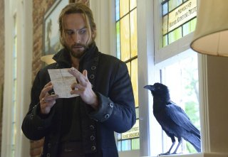 Sleepy Hollow: Tom Mison in una scena della puntata intitolata The Weeping Lady