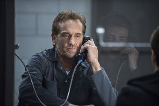 The Flash: John Wesley Shipp in una scena di The Things You Can't Outrun