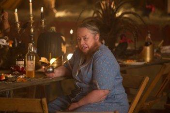 Un'immensa Kathy Bates in 'Edward Mordrake' episodio di American Horror Story - Freakshow