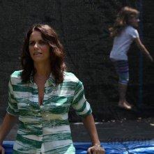 Transparent: Amy Landecker in una scena della prima stagione