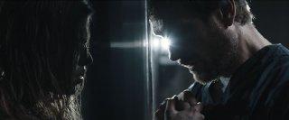 Index Zero: Ana Ularu insieme a Simon Merrells in una scena del film fantascientifico