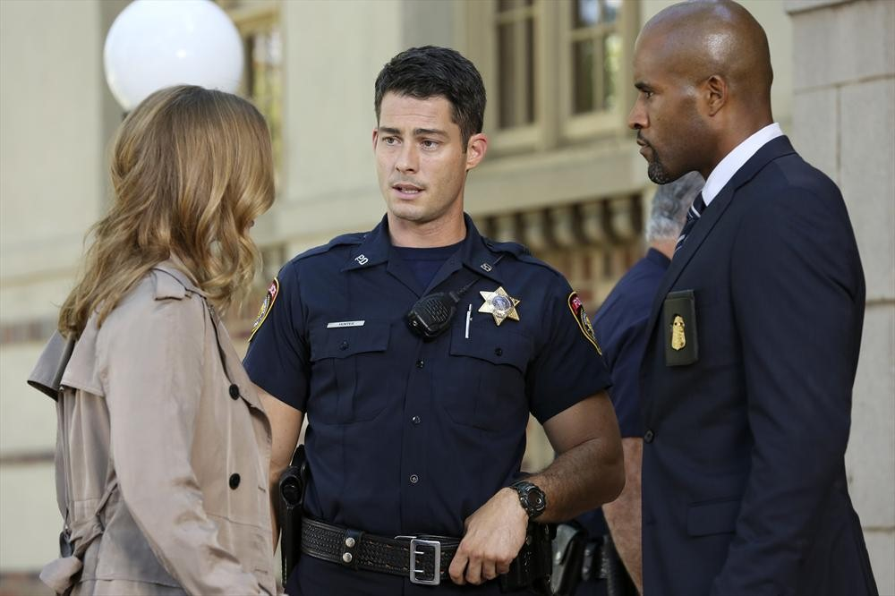 Revenge: Emily VanCamp, Brian Hallisay e LaMonica Garrett nell'episodio Meteor