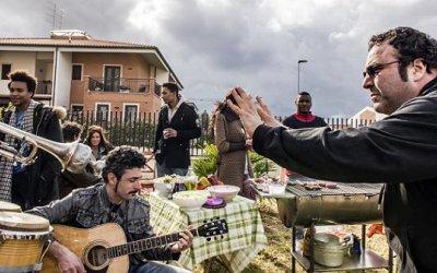 Massimiliano Bruno e il cast di Confusi e felici: un sorriso per guarire