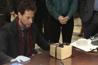 Forever: Ioan Gruffudd in un momento dell'episodio The Frustrating Thing About Psychopaths