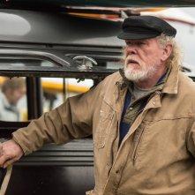 Gracepoint: l'attore Nick Nolte in una scena del primo episodio