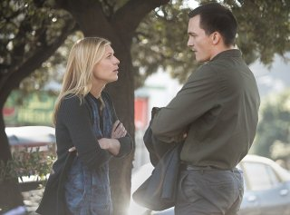 Homeland: Claire Danes e Rupert Friend in una scena di About A Boy