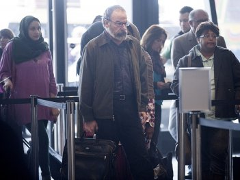 Homeland: Mandy Patinkin interpreta Saul nell'episodio intitolato About A Boy