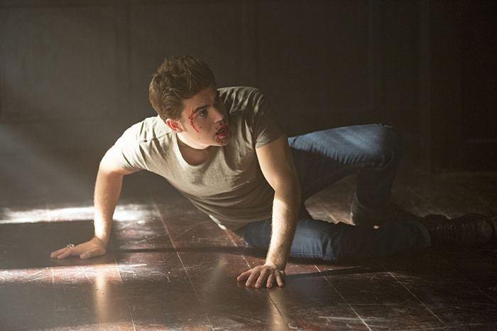The Vampire Diaries: l'attore Paul Wesley in una scena dell'episodio Black Hole Sun