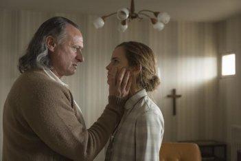 Colonia: la prima immagine del film che mostra Emma Watson a confronto con Michael Nyqvist