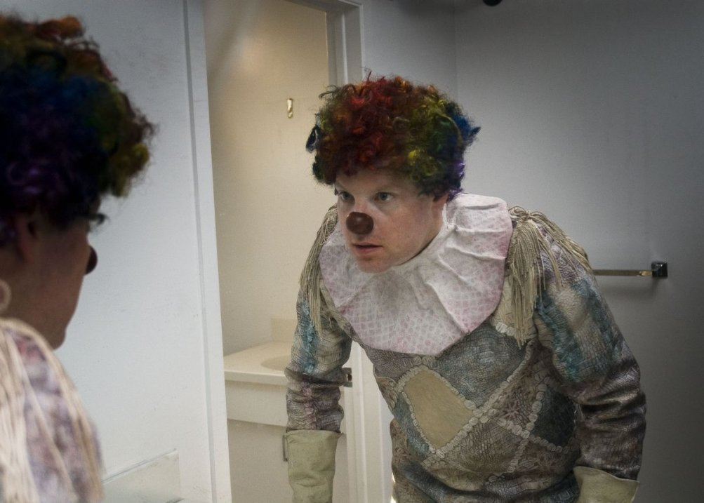 Clown: Andy Powers in una scena dell'horror