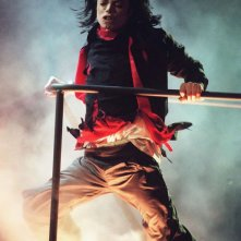 Michael Jackson: Life, Death and Legacy - Il Re del Pop in una scena del film-concerto