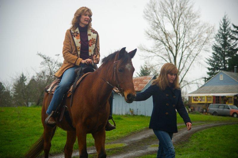 Wild: Reese Witherspoon con Laura Dern in una scena del film