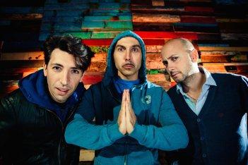 Italiano medio: Maccio Capatonda con Luigi Luciano e Enrico Venti in una foto promozionale