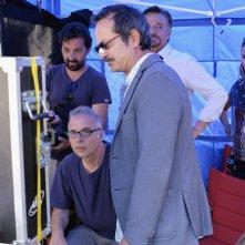 La scuola più bella del mondo: Rocco Papaleo guarda i giornalieri con il regista Luca Miniero
