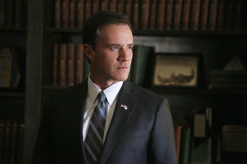 Agents of S.H.I.E.L.D.: Tim DeKay interpreta il senatore Christian Ward in A Fractured House