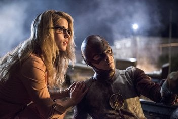 The Flash: Emily Bett Rickards e Grant Gustin in Going Rogue