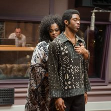Get on Up: Chadwick Boseman con Jill Scott in una scena