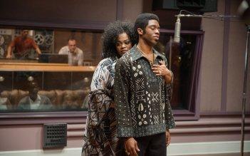 Get on Up: Chadwick Boseman con Jill Scott in una scena