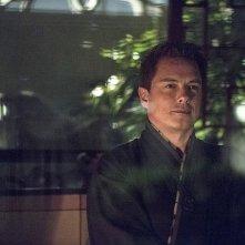 Arrow: John Barrowman nell'episodio intitolato The Magician