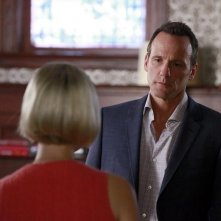 How To Get Away With Murder: Tom Verica e Liza Weil nell'episodio Freakin' Whack-a-Mole