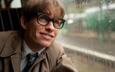 Eddie Redmayne: chi è l'affascinante attore inglese che punta all'Oscar con La teoria del tutto