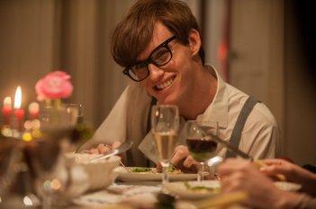 La Teoria del Tutto: Eddie Redmayne in una scena nel ruolo di Stephen Hawking