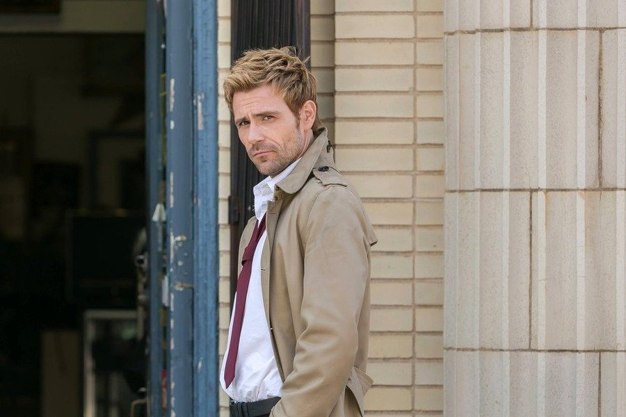 Constantine: Matt Ryan interpreta John Constantine in The Darkness Beneath