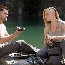 Hunger Games: Il Canto della Rivolta - Parte 1: Wes Chatham insieme a Natalie Dormer in una scena del film