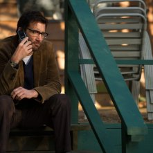 Words and Pictures: Clive Owen nei panni dell'insegnante di inglese Jack Marcus in una scena del film