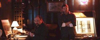Chi è senza colpa: Tom Hardy e James Gandolfini in un'immagine del film